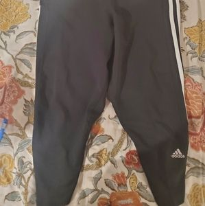 adidas Pants & Jumpsuits - Adidas Capri Leggings